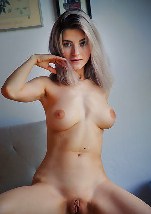 Eva Elfie nude in erotic APPLIQUE gallery