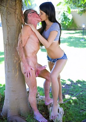 Old and young porn free pictures Samata outddor porn