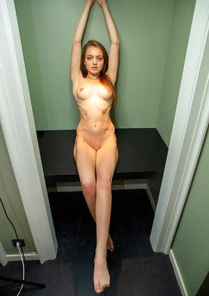 Sophy Nude in Excellent Figure