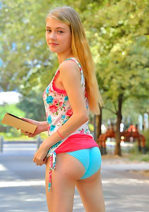 Youthful girl Hannah flashes bare upskirt unto getting bare in public