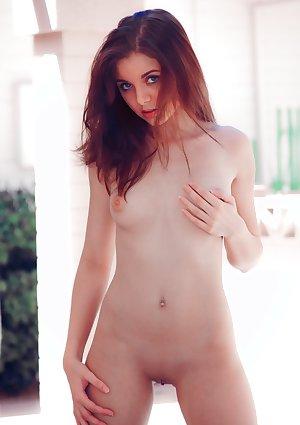 Darien Stays Summer Undressed