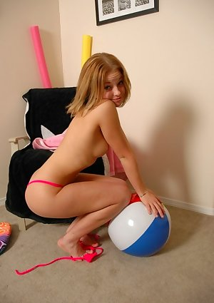 Kate nude in these cute teen pictures