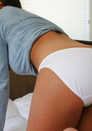 Amandas large butt in white hotpants